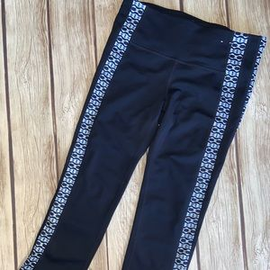 LIKE NEW GAP FIT NAVY CROPPED LEGGINGS SIZE XS